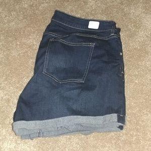 Shorts - size 18